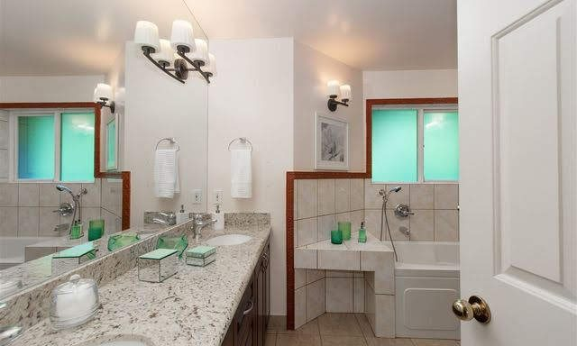4210-nautilus-close-bathroom