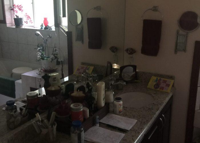Bathroom 5th floor 3