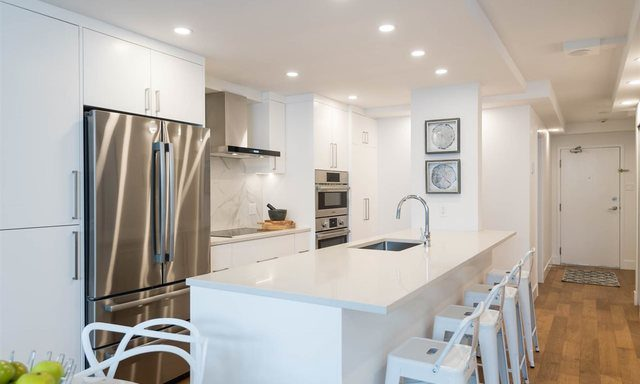 b208-1331-homer-street-vancouver-bc-194_262300255-2030072-3_lightbox